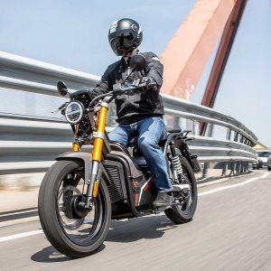 Nuuk Tracker Moped
